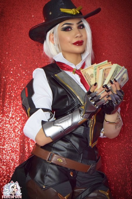 Overwatch: Ashe cosplay by Felicia Vox