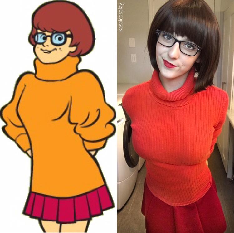 Alluring Velma cosplay
